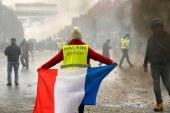 آخرین نظر سنجی ها در فرانسه نشان می دهد دو سوم ( 67 درصد ) مردم این کشور همچنان این اعتراضات را تائید و خواستار ادامه آن هستند.