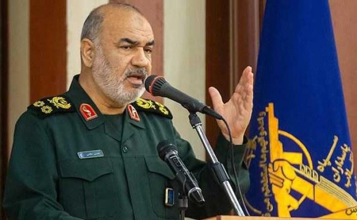 فرمانده کل سپاه: هیچ پهپادی از ایران ساقط نشده است/ دشمنان مستندات خود را بیاورند.