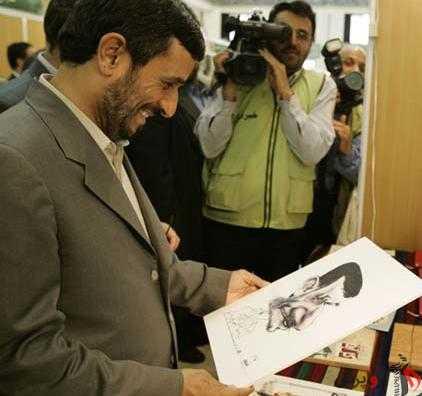 تلاش های بی پایان احمدی نژاد برای گریز از پایان