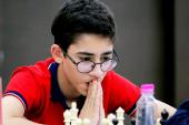 """"""" غلامی """" استاد بزرگ شطرنج ایران : پای اعتقاداتم میمانم"""