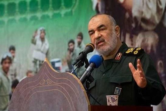 سرلشکر سلامی: بسیج نقطه کانونی عزت امت اسلامی است/ «حل مشکلات» استراتژی اصلی بسیج