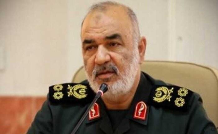 سردار سلامی: با همت مردم، نیروهای مسلح و کادر درمانی از روزهای سخت عبور میکنیم