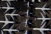 نیمی از هواپیماهای جهان در آشیانه/ صنعت هوانوردی پس از «کرونا» مانند قبل نمیشود