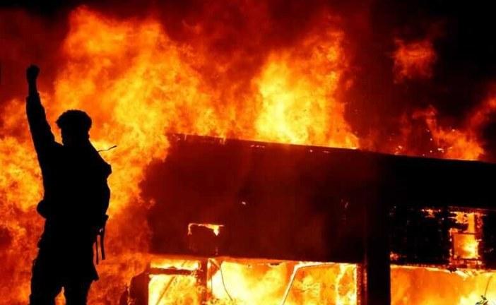 تنور شبکههای اجتماعی جهان داغ از آتش ناآرامیهای آمریکا