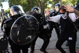 انگلیس ناآرامیهای آمریکا را بسیار نگرانکننده خواند