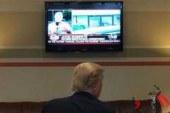 بولتون: ترامپ بیشتر از اینکه در دفتر کارش باشد مقابل تلویزیون است