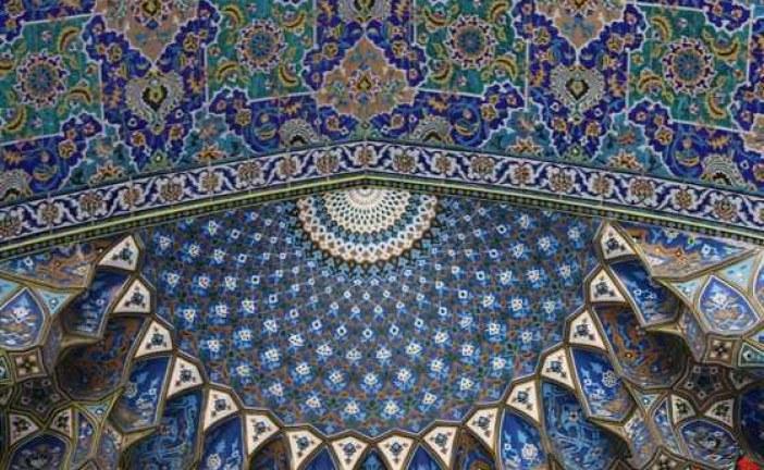 """"""" وقف – نذر """" رسانه رضوی علیه آلاف التحیه و الثناء ( رواپرس ) / زیباترین کاشی کاری های معرق ایران متعلق به دوره تیموریان است"""