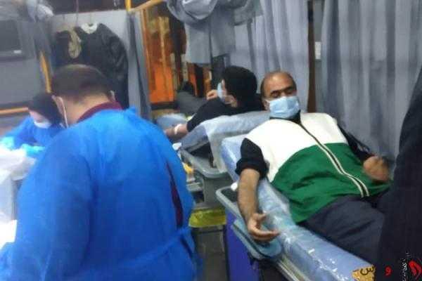""""""" وقف – نذر """" رسانه رضوی علیه آلاف التحیه و الثناء ( رواپرس ) / جمعی از خادمیاران زاهدانی خون خود را به بیماران نیازمند اهداء کردند"""