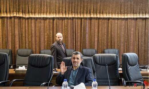 احمدینژاد بدنبال اخراج شدن/مجمع تشخیص حکم اخراج را صادر میکند؟