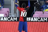 شادمانی جالب مسی با پیراهن نیواولد بویز به یاد مارادونا