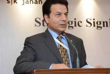 تحلیگر پاکستانی: افول آمریکا با همکاری جامع ایران و چین کلید خورد