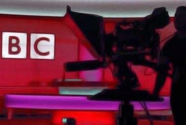 """بیبیسی در یک سال با رقم بیسابقه ۵۰۰ هزار شکایت به خاطر """"جانبداری"""" مواجه شد"""