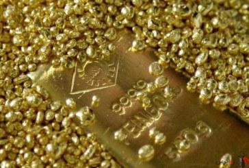 طلا در برابر دلار کوتاه آمد